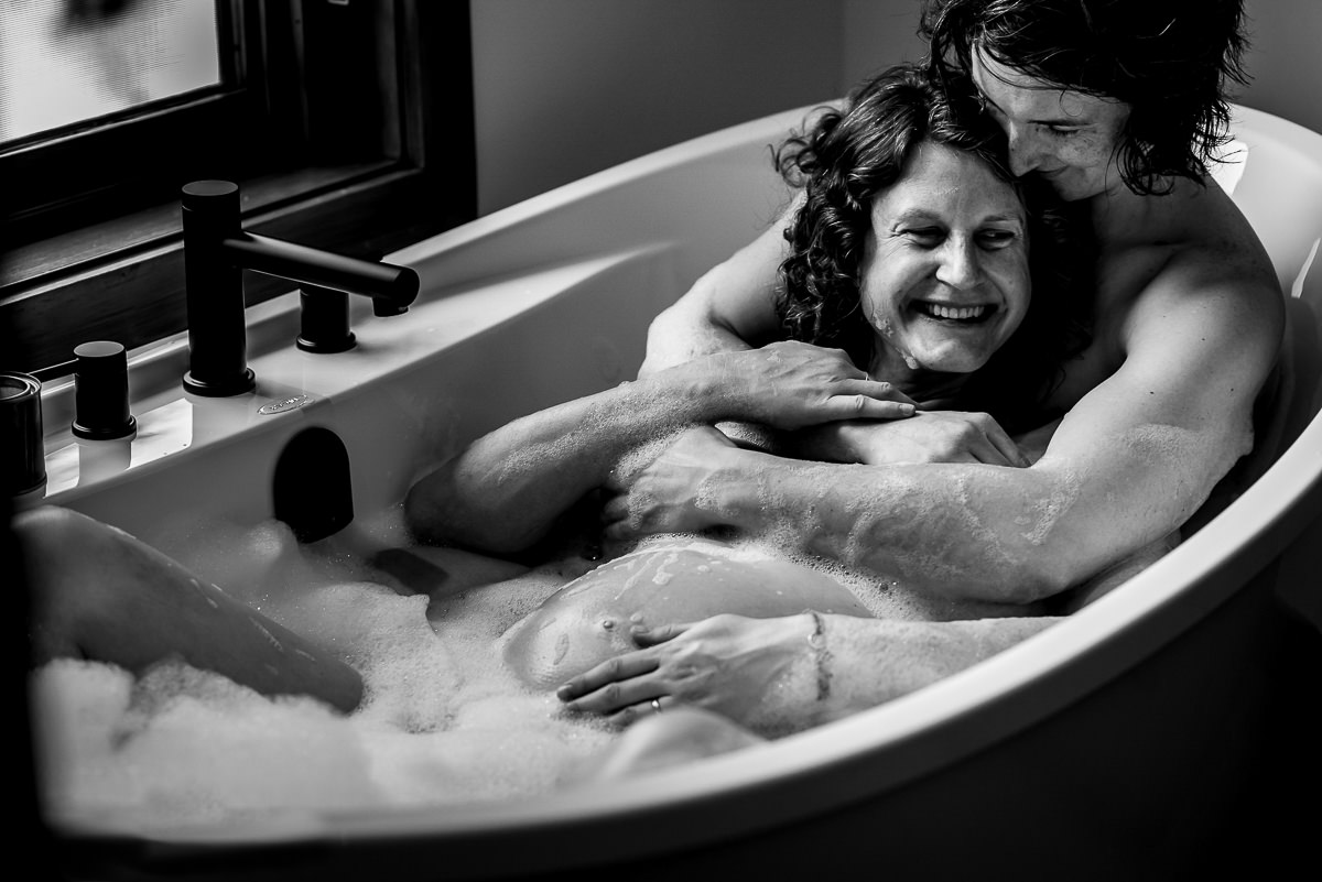 Two women in the bathtub during nelson bc family photo